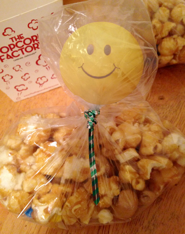 sweet-salty-caramel-corn-trail-mix_face