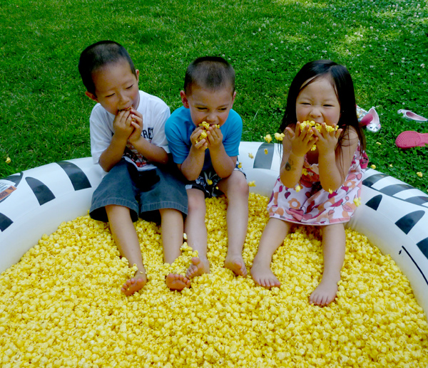 pool-of-popcorn-scavenger-hunt-kids-5