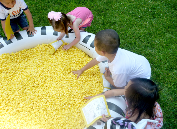 pool-of-popcorn-scavenger-hunt-kids