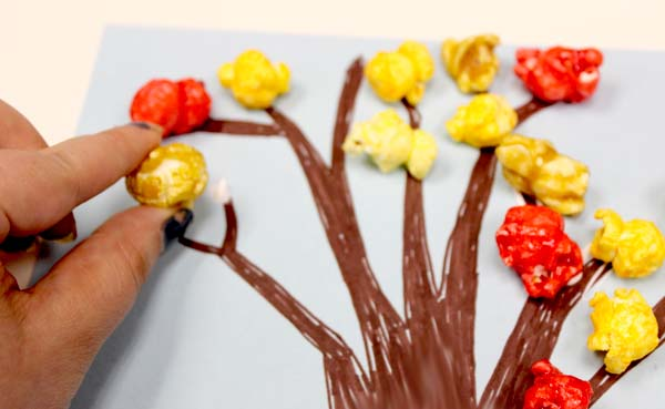crafts-for-kids-diy-fall-popcorn-tree-glue