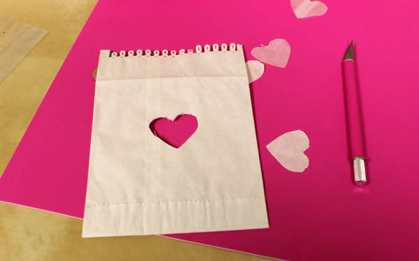 simple-sweet-diy-valentines-day-treat-bag-heart
