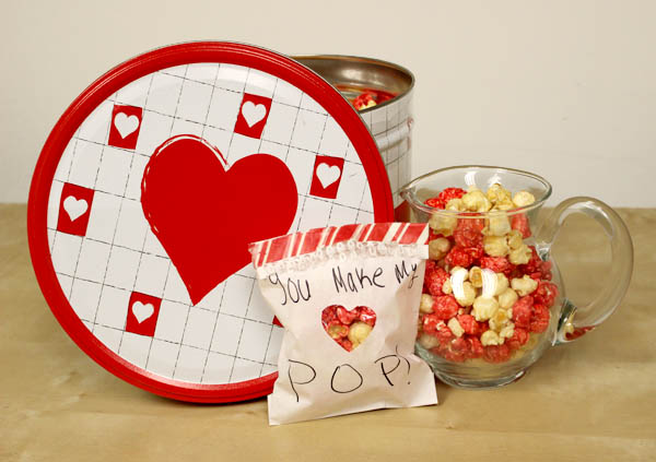 simple-sweet-diy-valentines-day-treat-bag-popcorn